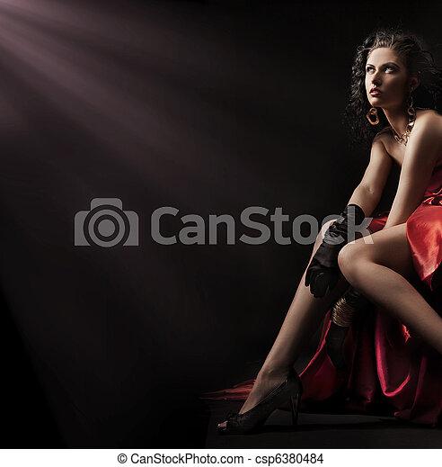 Cute young brunette posing - csp6380484