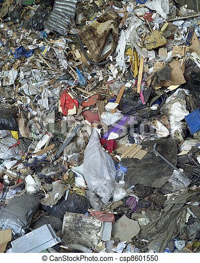 décharge ordures - csp8601550