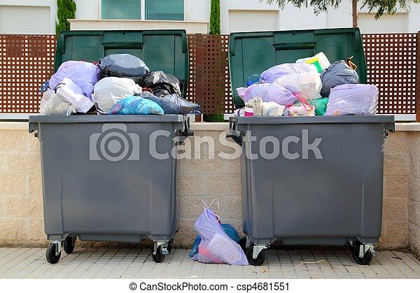 déchets ménagers, entiers, récipient, rue, déchets - csp4681551