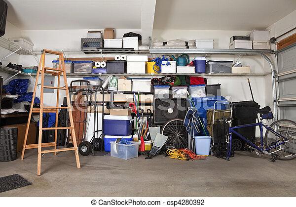 désordre, garage - csp4280392