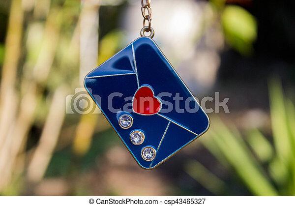Carta azul día de San Valentín - csp43465327