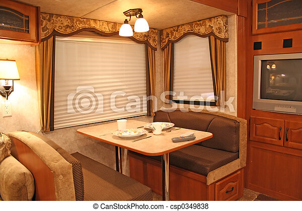 d ner int rieur camping car maison tv fenetres. Black Bedroom Furniture Sets. Home Design Ideas