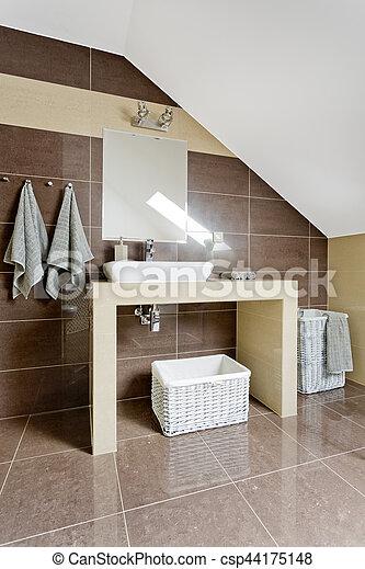 Dachgeschoss, badezimmer, modern. Badezimmer, dachgeschoss ...