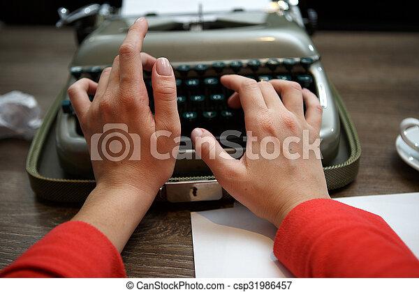 dactylographie, femme, vieux, machine écrire - csp31986457