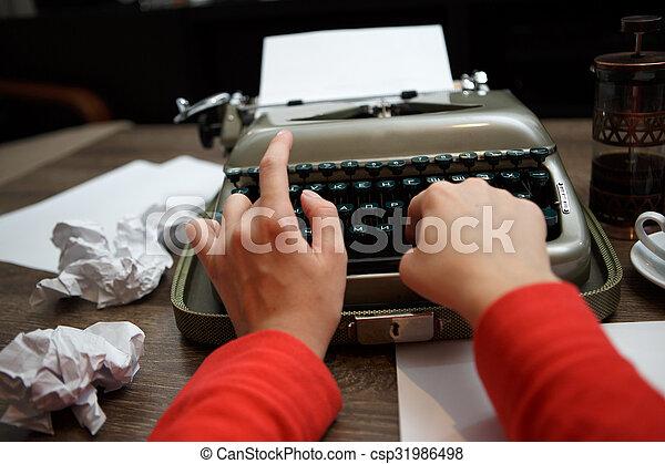 dactylographie, femme, vieux, machine écrire - csp31986498
