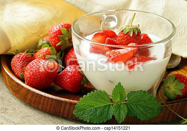 dairy dessert - yogurt strawberries - csp14151221