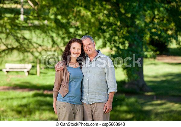dall'aspetto, padre, suo, figlia, macchina fotografica - csp5663943
