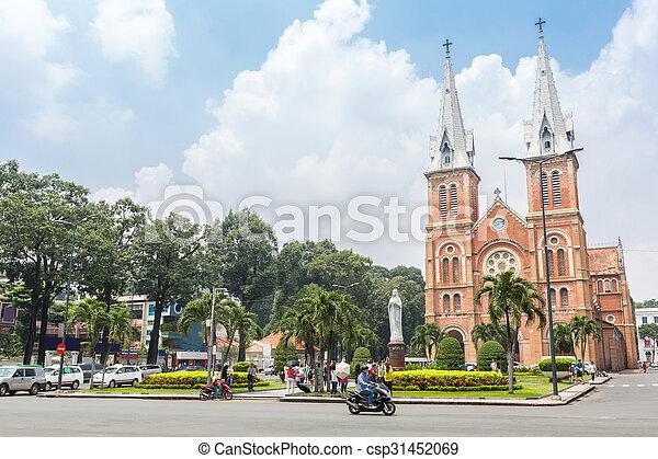 Catedral Notre-Dame viatnam - csp31452069