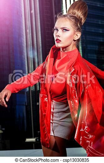 Dama de rojo - csp13030835