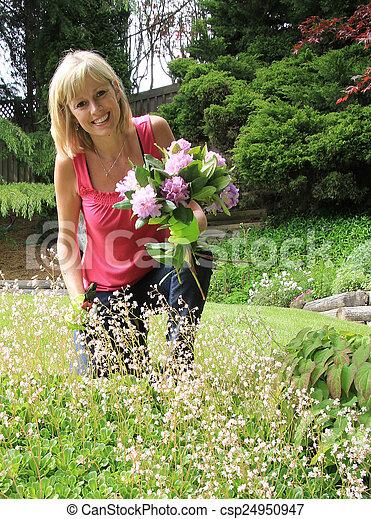 dame, jardinier, heureux - csp24950947