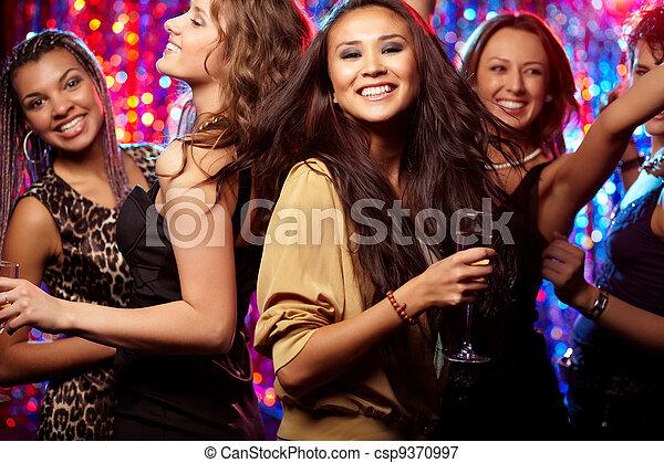 ¡Baila, baila! - csp9370997
