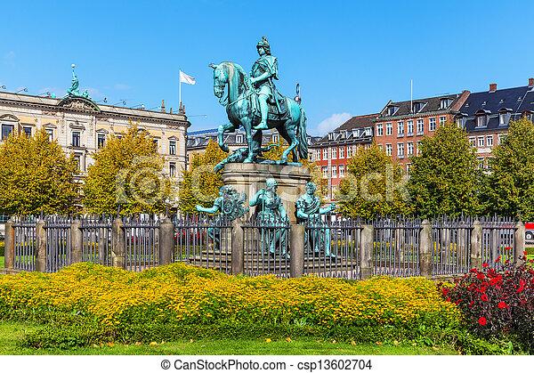 danemark, copenhague, chrétien, statue, v - csp13602704