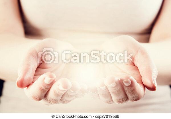 dar, mulher, luz, energia, proteja, cuidado, concept., hands. - csp27019568