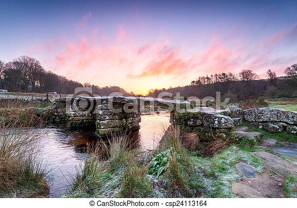 puente Dartmoor clapper - csp24113164