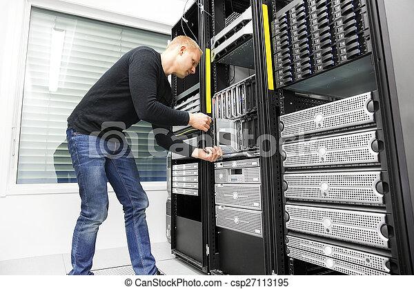 datacenter, installs, להב, זה, שרת, הנדס - csp27113195