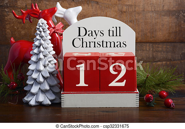 Days till Christmas calendar.  - csp32331675