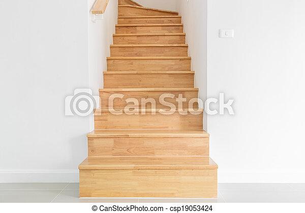 Escaleras de madera - csp19053424