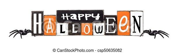 La feliz señal de Halloween de Wooden aislada en blanco - csp50635082