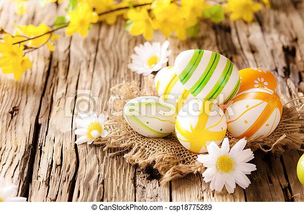 de madera, huevos, pascua, superficie - csp18775289