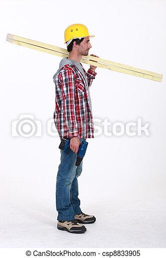debout, profil, sien, règle, sur, charpentier, tenue, épaule - csp8833905