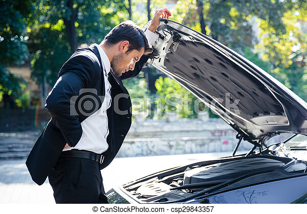 debout, voiture, homme, cassé - csp29843357