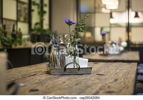 Restaurante de decoración de mesa - csp26042084
