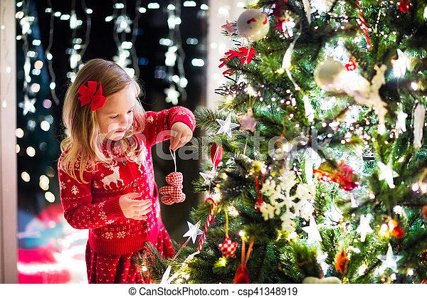 decorar, árbol, navidad, niño - csp41348919