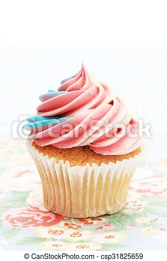 decorated cup cakes - csp31825659