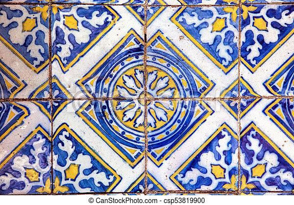Tiles decorativos típicos, azulejos antiguos Lisboa, arte y decoración - csp53819900