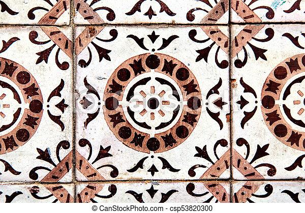 Tiles decorativos típicos, azulejos antiguos Lisboa, arte y decoración - csp53820300