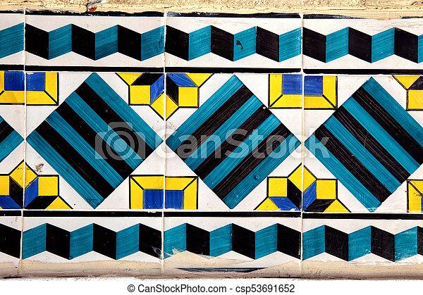 Tiles decorativos típicos, azulejos antiguos Lisboa, arte y decoración - csp53691652