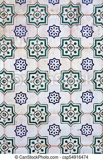 Tiles decorativos típicos, azulejos antiguos Lisboa, arte y decoración - csp54916474