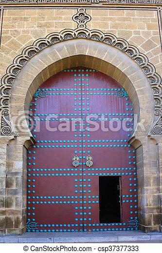 Puerta decorativa en Marruecos - csp37377333