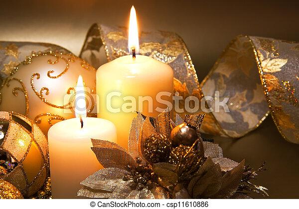 dekoration, kerzen, aus, dunkler hintergrund, weihnachten - csp11610886