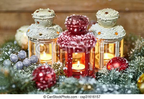 dekoration laternen weihnachten brennender holz brennender dekoration laternen. Black Bedroom Furniture Sets. Home Design Ideas