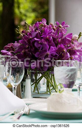 Hochzeitstischdekoration - csp1361626
