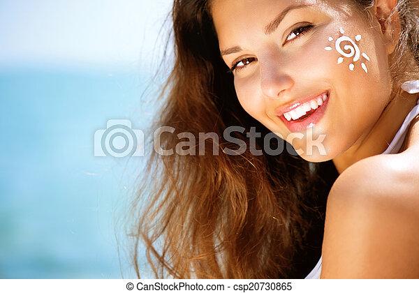 demande, elle, beauté, soleil, face., bronzage, girl, bronzage, crème - csp20730865