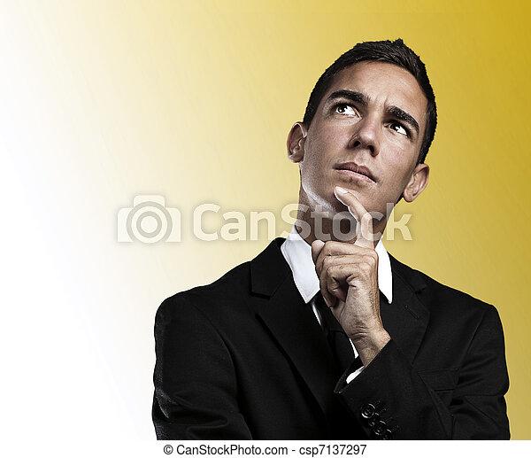 denken, zakenmens  - csp7137297