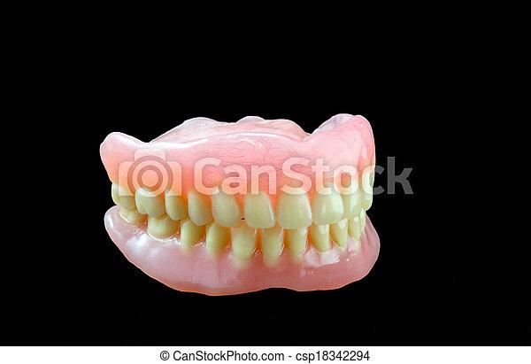 Dentadura completa de fondo negro - csp18342294