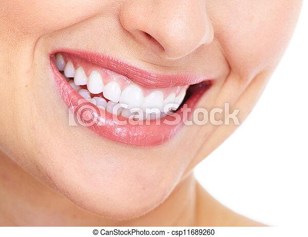 Una sonrisa de mujer feliz. Cuidado dental. - csp11689260