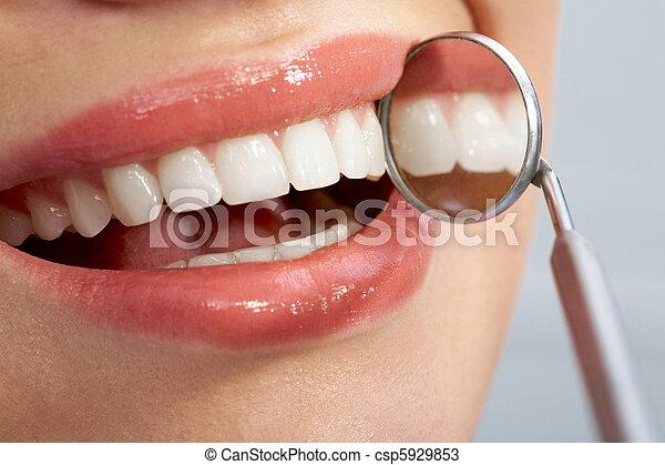 dentes agradáveis - csp5929853