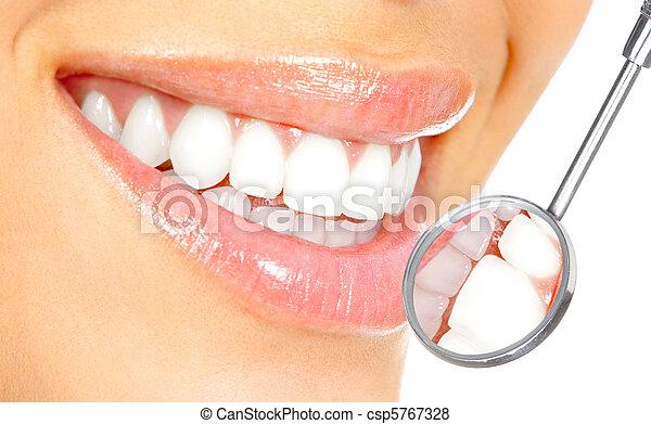 dentes saudáveis - csp5767328
