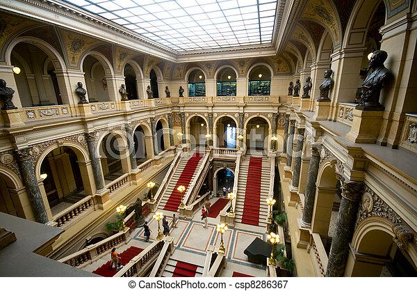Dentro del museo nacional en Praga - csp8286367