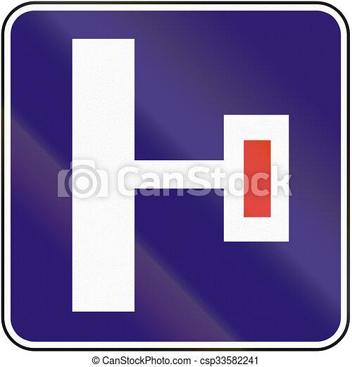 Señal de carretera usada en Eslovaquia, callejón sin salida a la derecha - csp33582241