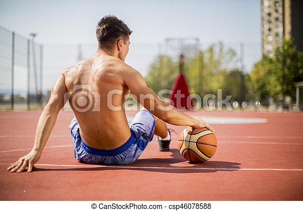 descansar, basquetebol, homem jovem, tocando - csp46078588