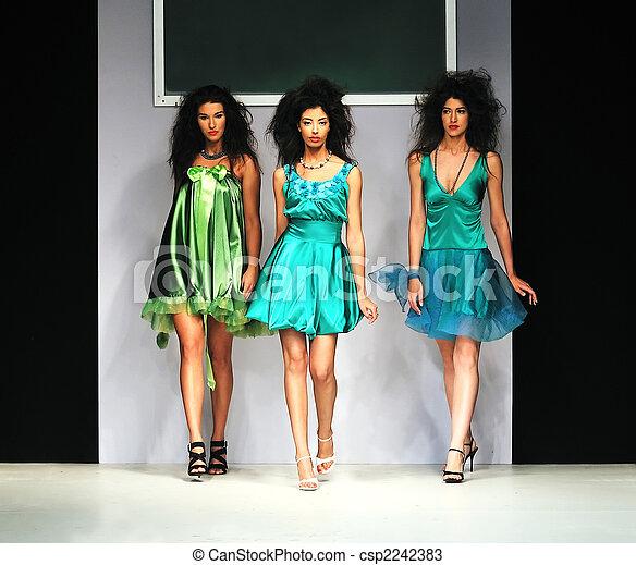 desfile de modas - csp2242383
