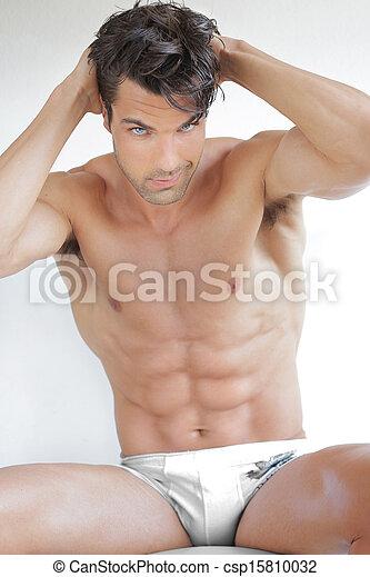 Hombre desnudo sexy - csp15810032