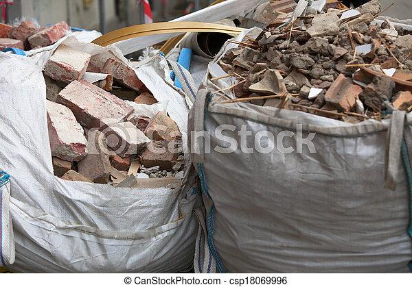 desperdício, construção, escombros, cheio, sacolas - csp18069996