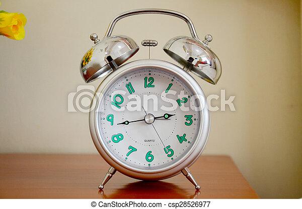 Reloj de alarma - csp28526977