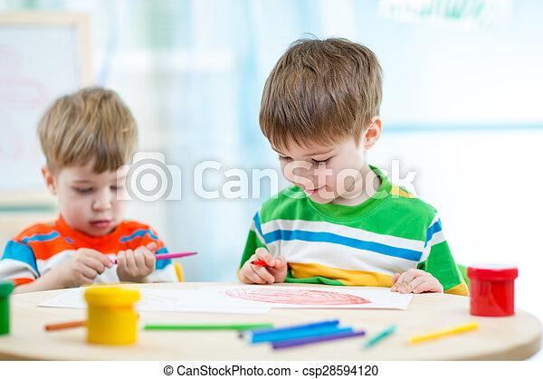 Dessiner Centre Enfants Peinture Maison Sourire Ou Soin Jour